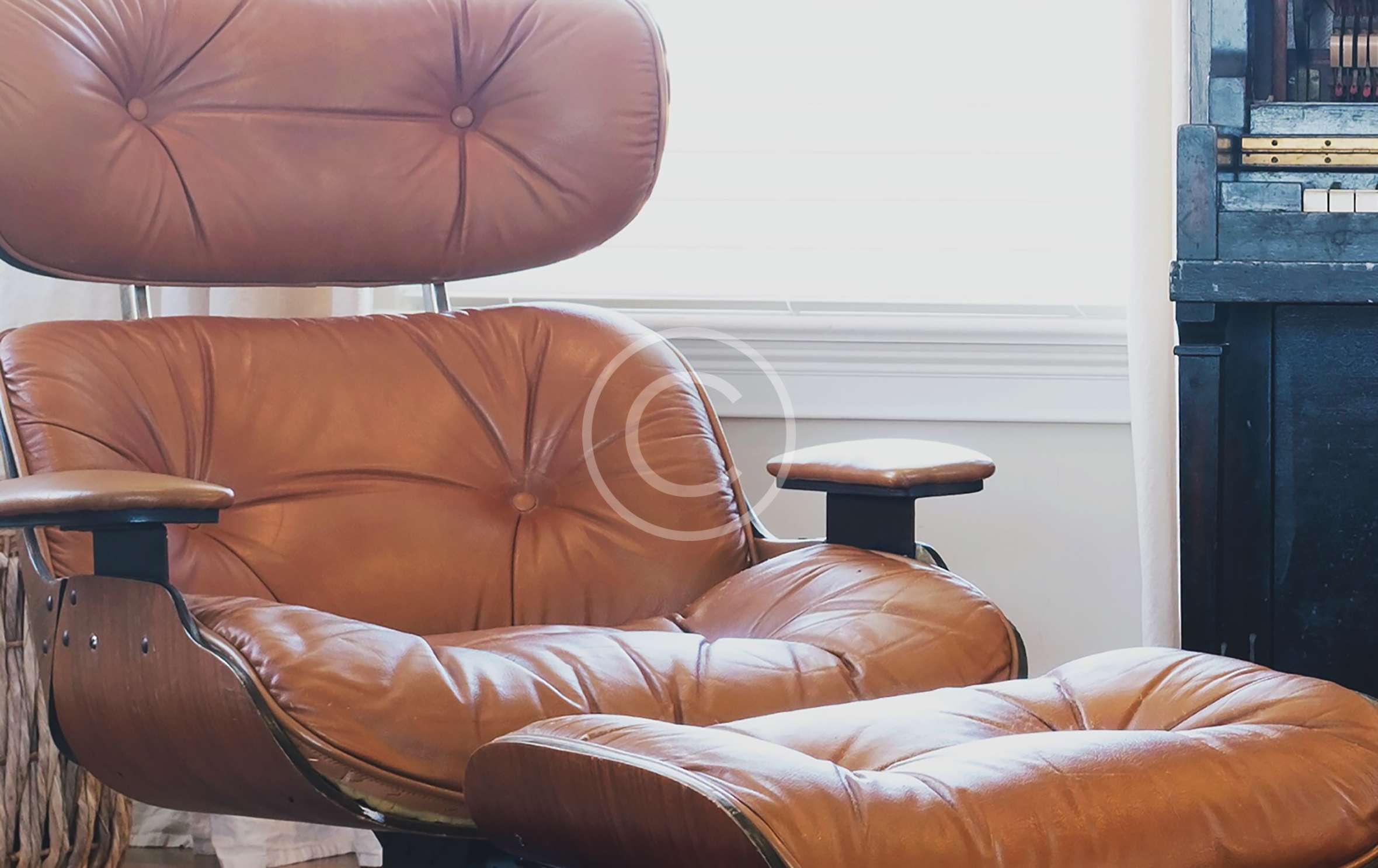 We work closely with a  skilled upholsterer
